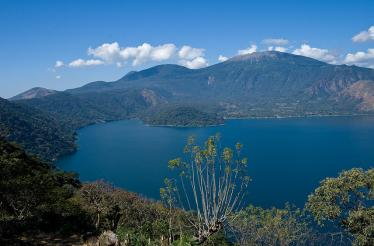 lake Coatepeque el Salvador
