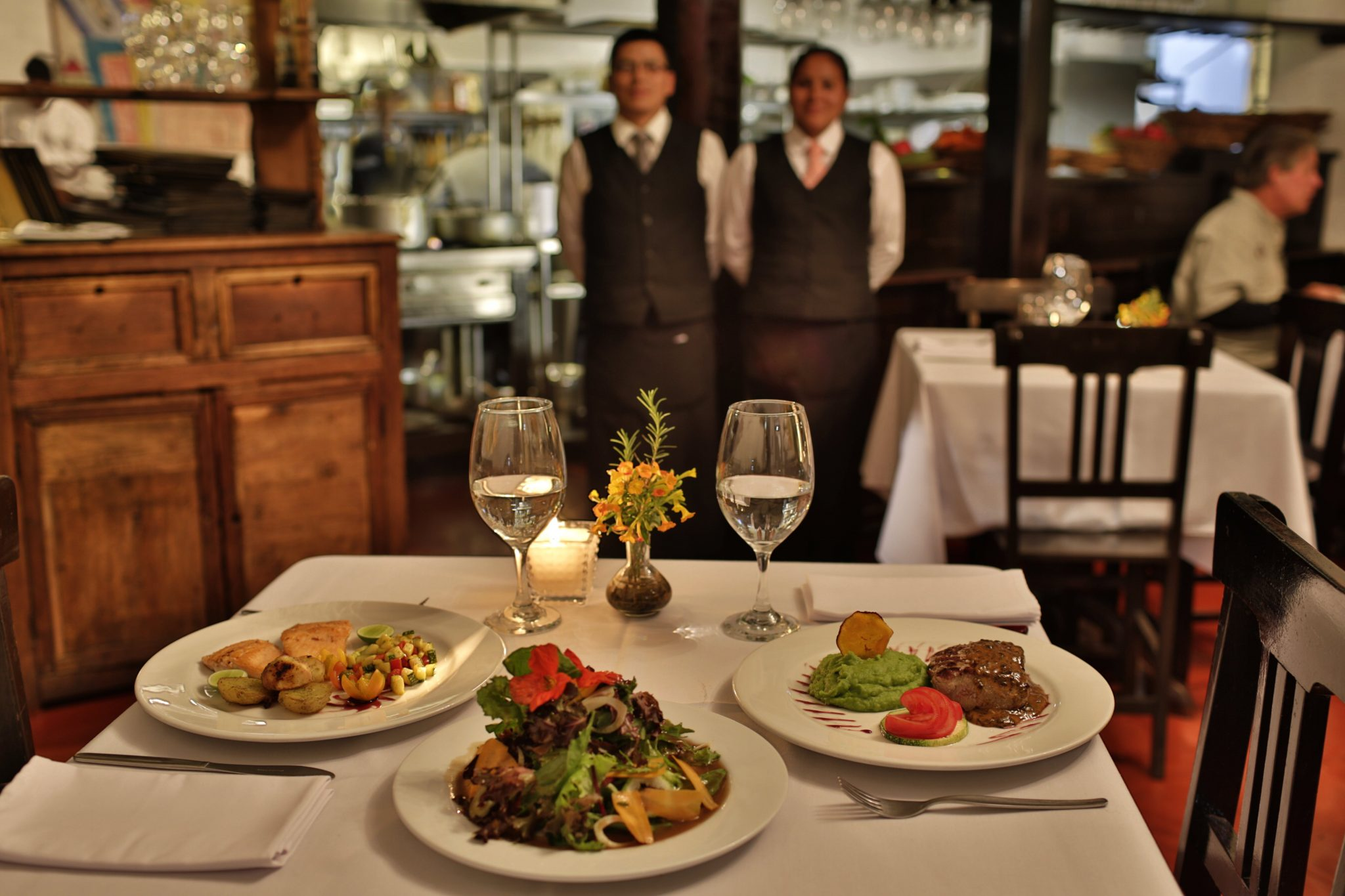 hotel l albergue ollantaytambo restaurant